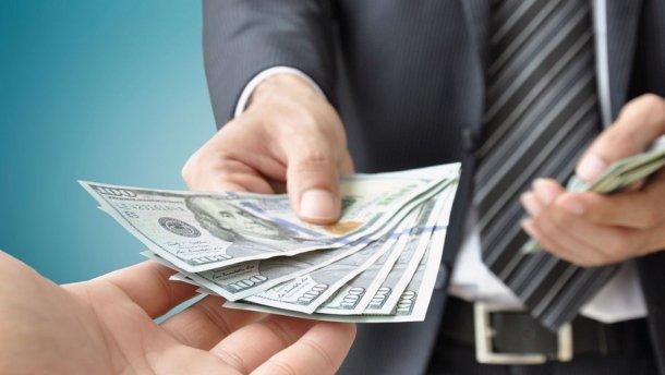 На Прикарпатті прокуратура передала до суду справу щодо хабара в тисячу доларів