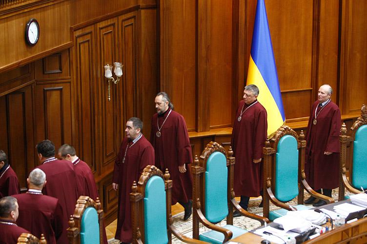 Нині Велика палата ВС продовжує розгляд справи щодо конституційності спірних положень закону про іпотеку в закритому режимі.