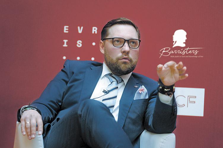 Репутаційний скандал в адвокатурі: Олексій Шевчук застеріг колег від перетворення професії на театр абсурду
